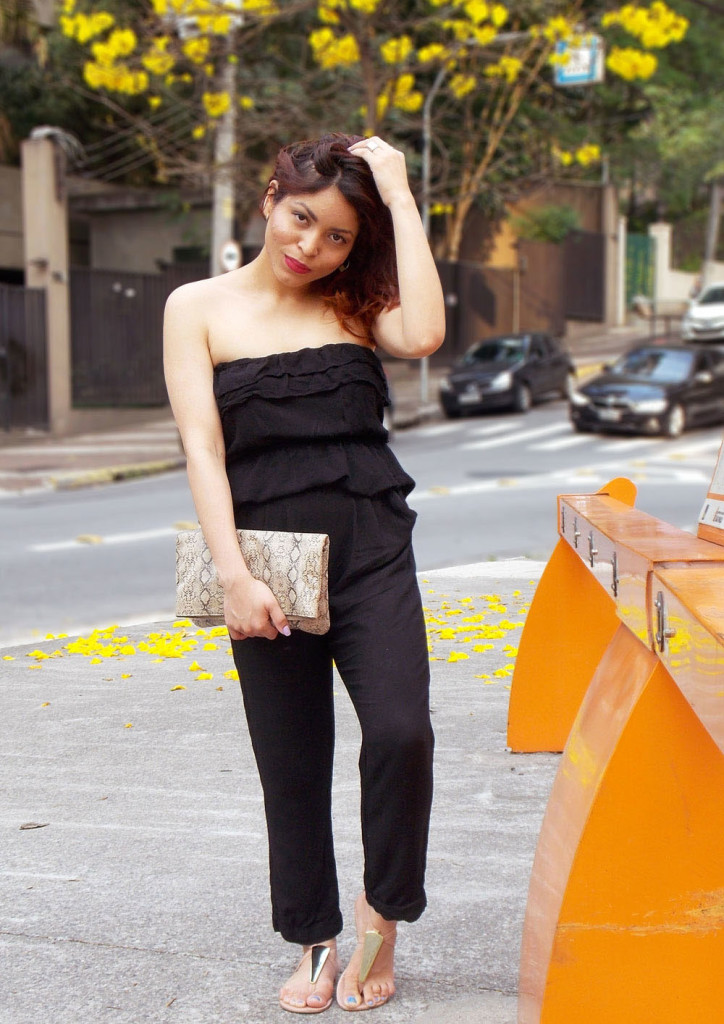 How-to-wear-a-black-jumper-Tulips-and-Heels