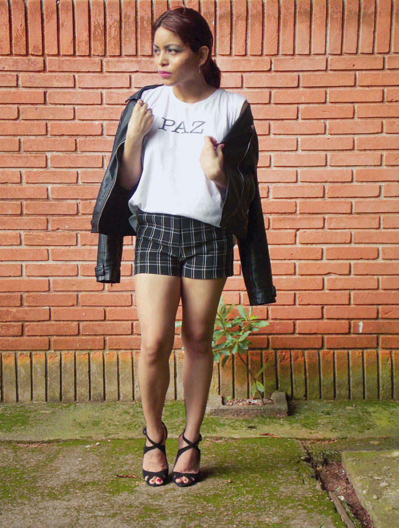 how-to-style-plaid-shorts