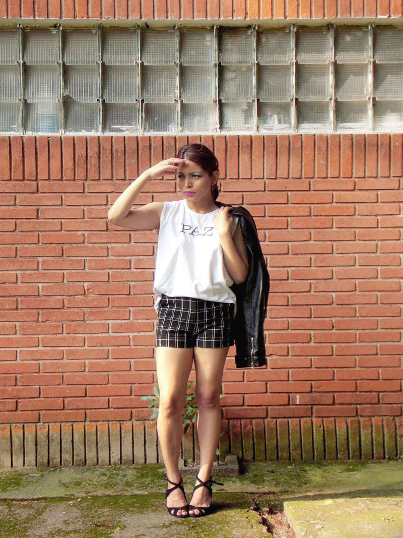how-to-wear-plaid-shorts