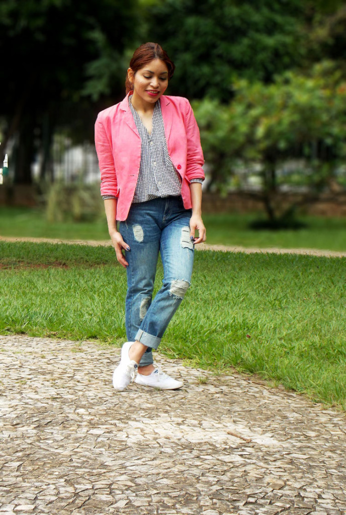how_to_style_a_pink_blazer